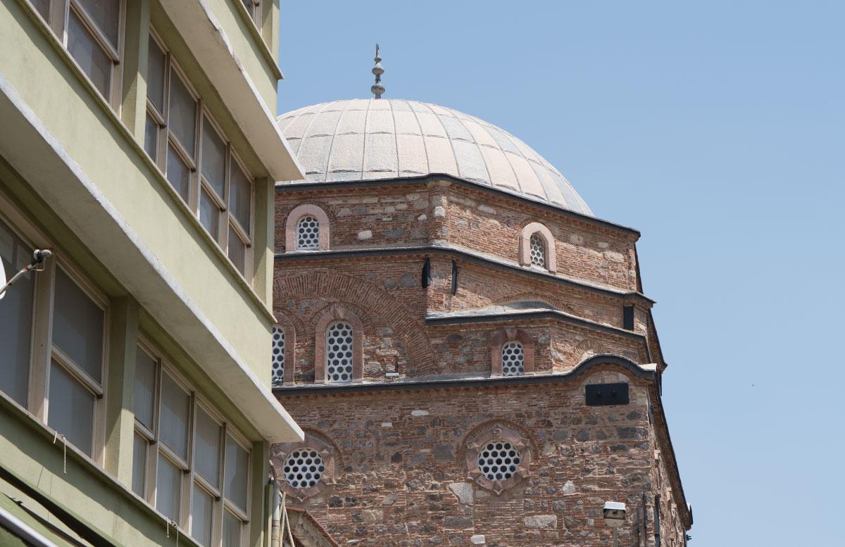 10-Dinge-die-man-unbedingt-in-Izmir-machen-muss-moschee