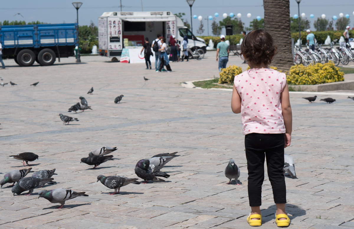 10 Ausflugtipps für Izmir, Türkei konac platz tauben füttern