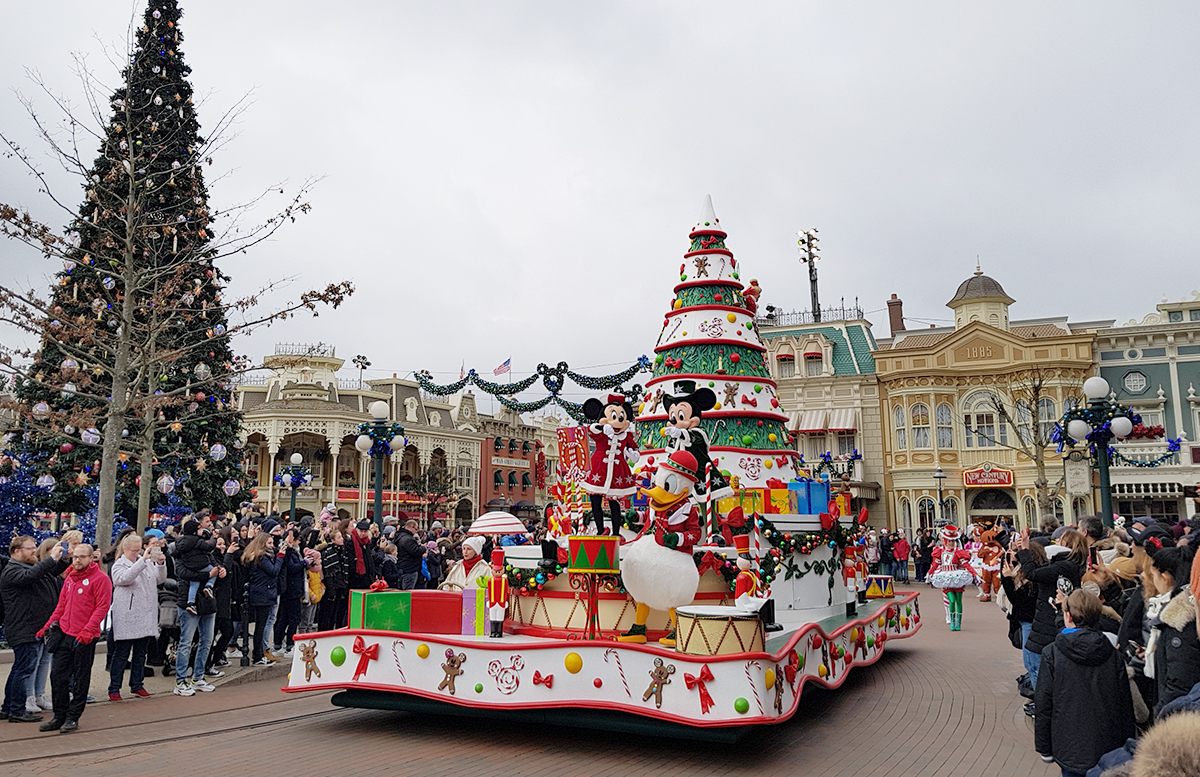 Silvester in Paris - 10 Tipps für Disneyland Paris parade