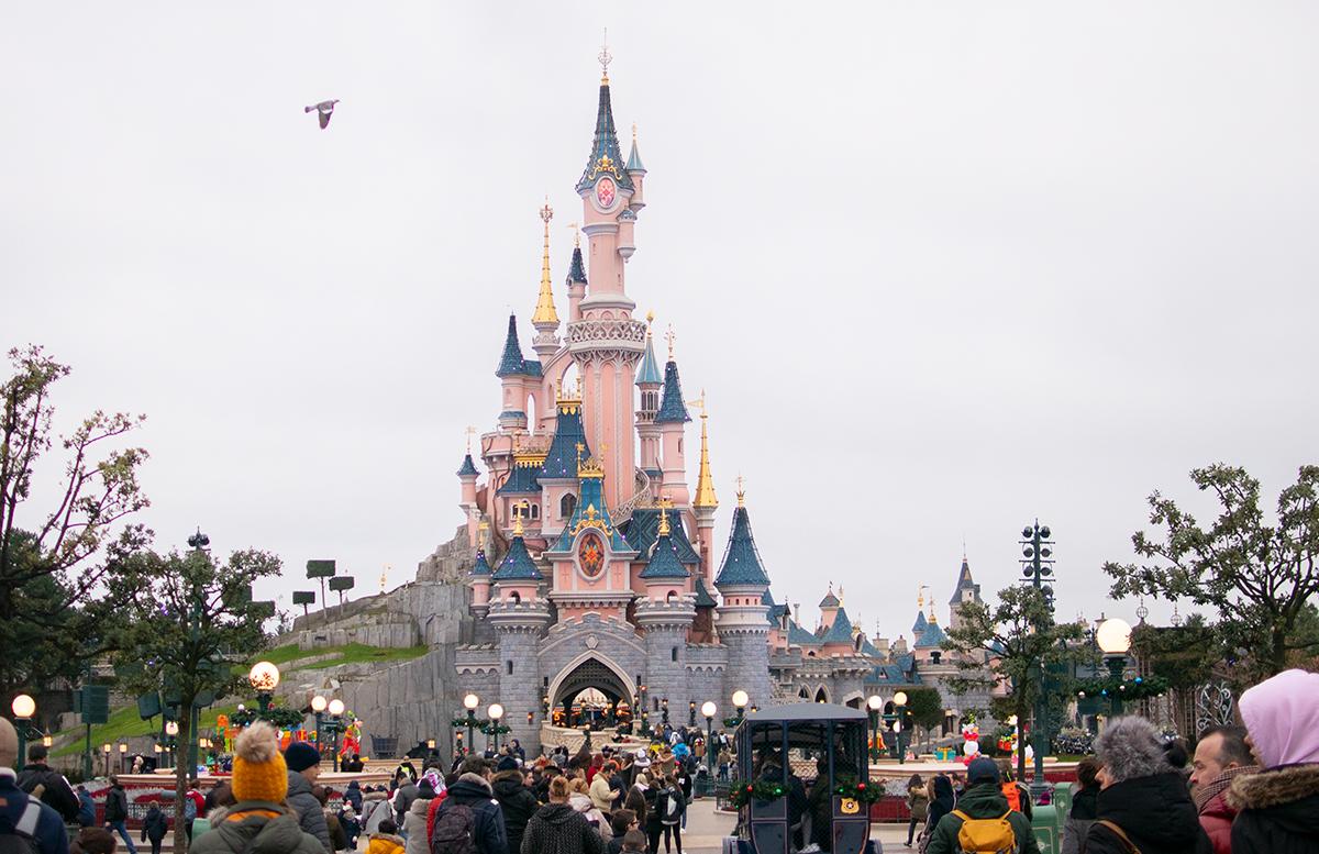 Silvester in Paris - 10 Tipps für Disneyland Paris parade schloss