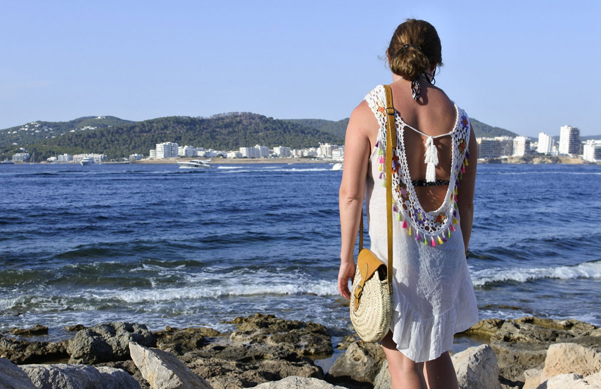10-Tipps-für-den-Ibiza-Urlaub-mit-Kindern-blick-auf-das-meer