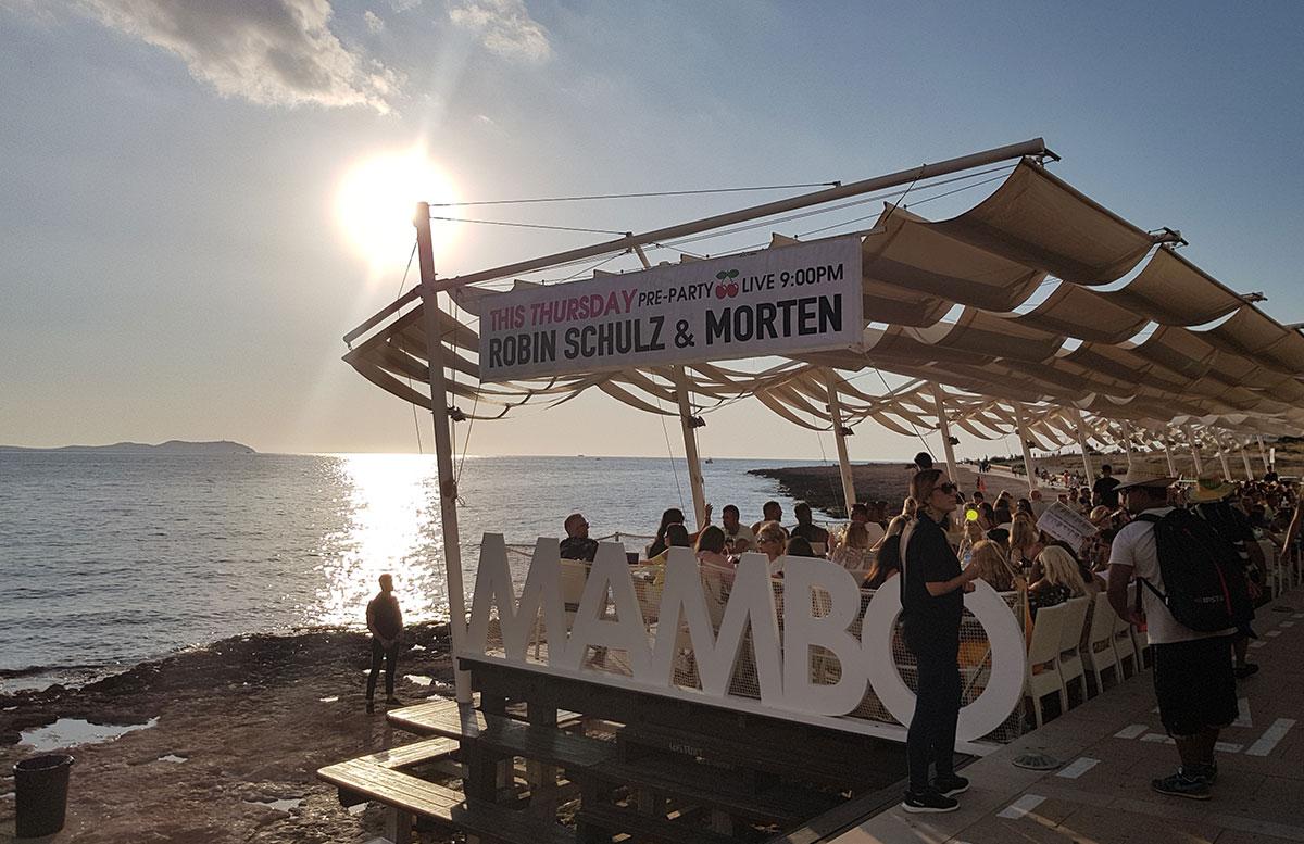 10-Tipps-für-den-Ibiza-Urlaub-mit-Kindern-cafe-mambo