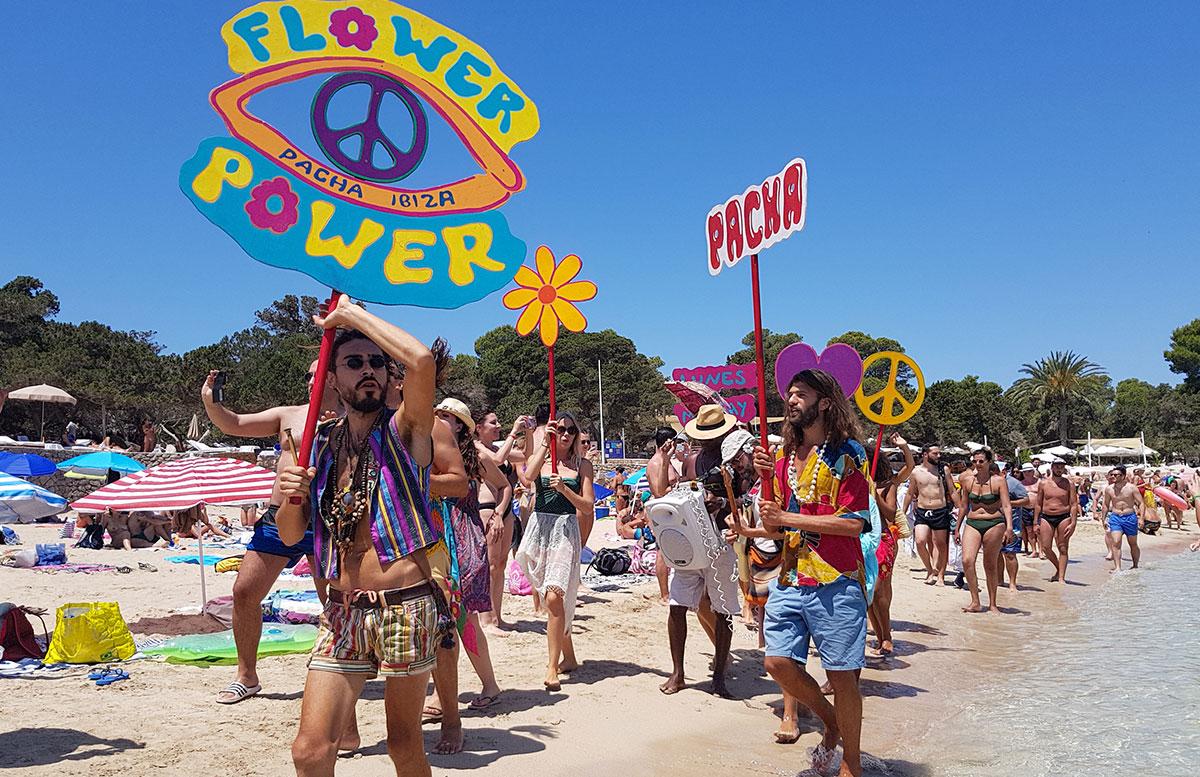 10-Tipps-für-den-Ibiza-Urlaub-mit-Kindern-flower-power-pacha