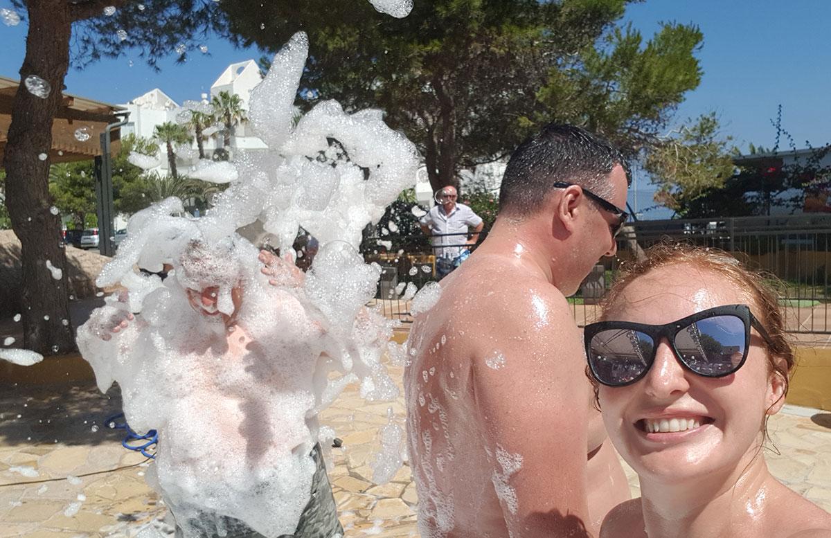 10-Tipps-für-den-Ibiza-Urlaub-mit-Kindern-schaumparty