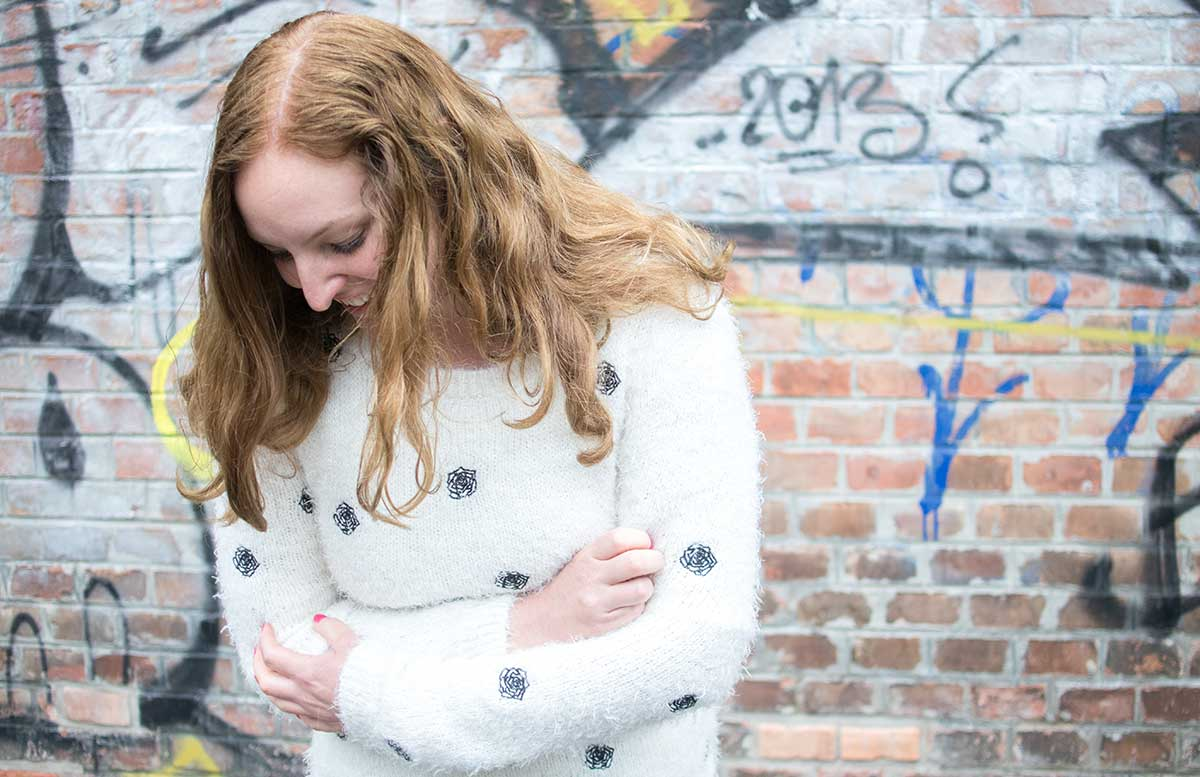 10 facts about me vicky detail pullover blick nach unten