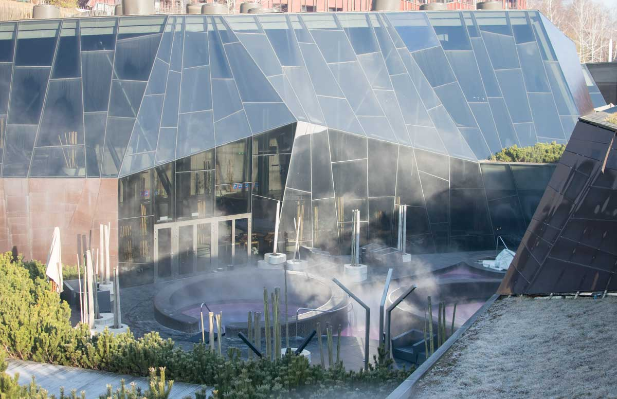 Terme-Olimia-und-das-Wellnesshotel-Sotelia-outdoor-pool-außen