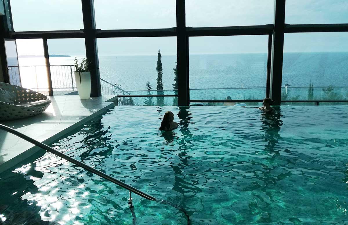 Ausflug-nach-Koper-und-Besuch-des-Hotel-Bernardin-vicky-im-pool