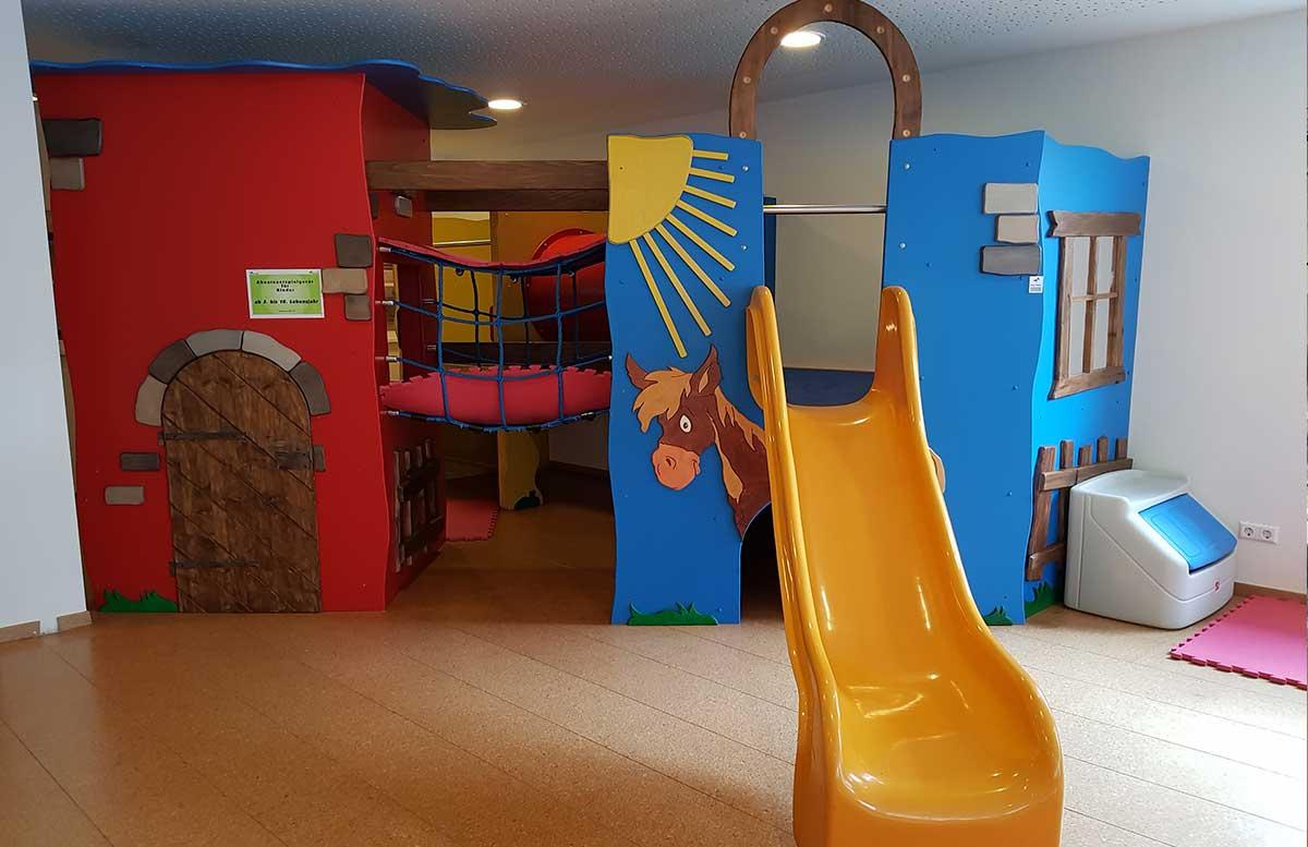 Hotel-Gut-Weissenhof-in-Radstadt-kinderspielraum
