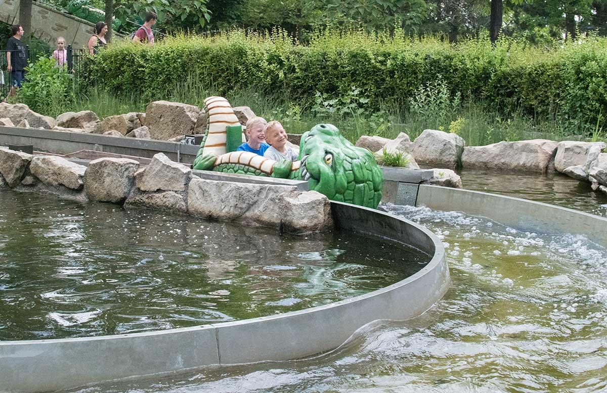 Familypark-in-St.-Margarethen-fahrt-mit-der-krokobahn-2