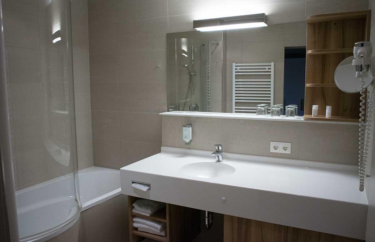 Hotel-Allegria-Resort-Stegersbach-by-Reiters-badezimmer