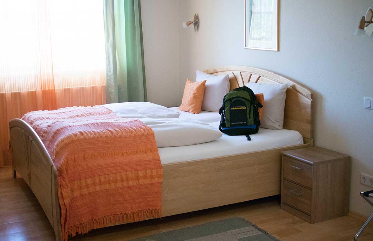 Hotel-Gasthof-Am-Riedl-in-Koppl---der-Riedlwirt-schlafzimmer