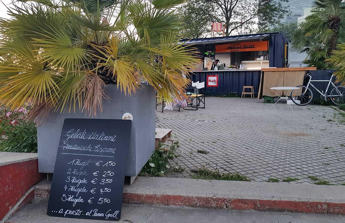Der-Copa-Beach-Urlaubsfeeling-in-Wien-panini-grill