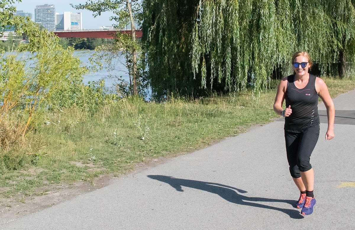 Wachau-Marathon-im-Team-Salomon-laufend