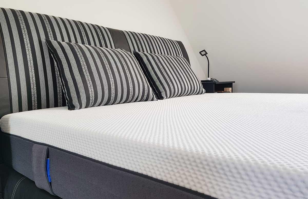 unsere-neue-wohnung-schlafzimmer-boxspringbett-detail-matratze