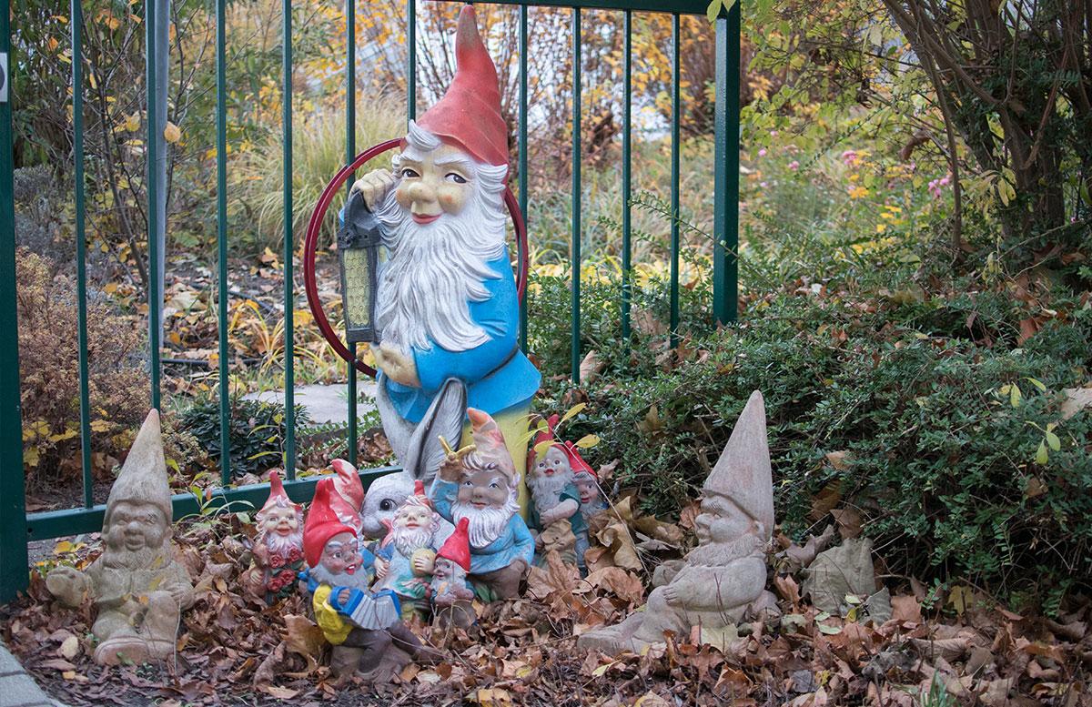 SEMI-Baby--und-Kinderhotel-in-Lutzmannburg-gartenzwerge