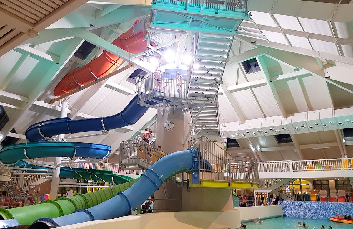 Wasserspaß-mit-Sunny-Bunny-in-der-Sonnentherme-Lutzmannsburg-rutschen-in-der-fun-world
