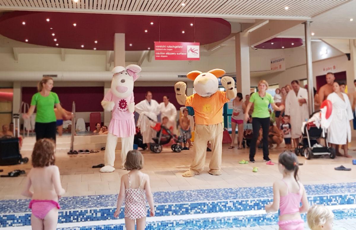 Wasserspaß-mit-Sunny-Bunny-in-der-Sonnentherme-Lutzmannsburg-sunny-bunny-dance