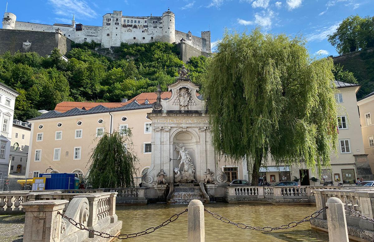 24-Stunden-in-Salzburg-Ausflugstipps-für-Familien-blick-auf-burg