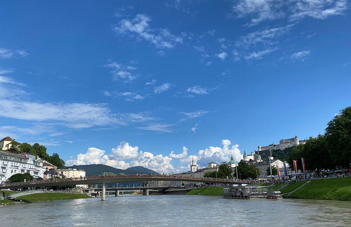 24-Stunden-in-Salzburg-Ausflugstipps-für-Familien-schifffahrt