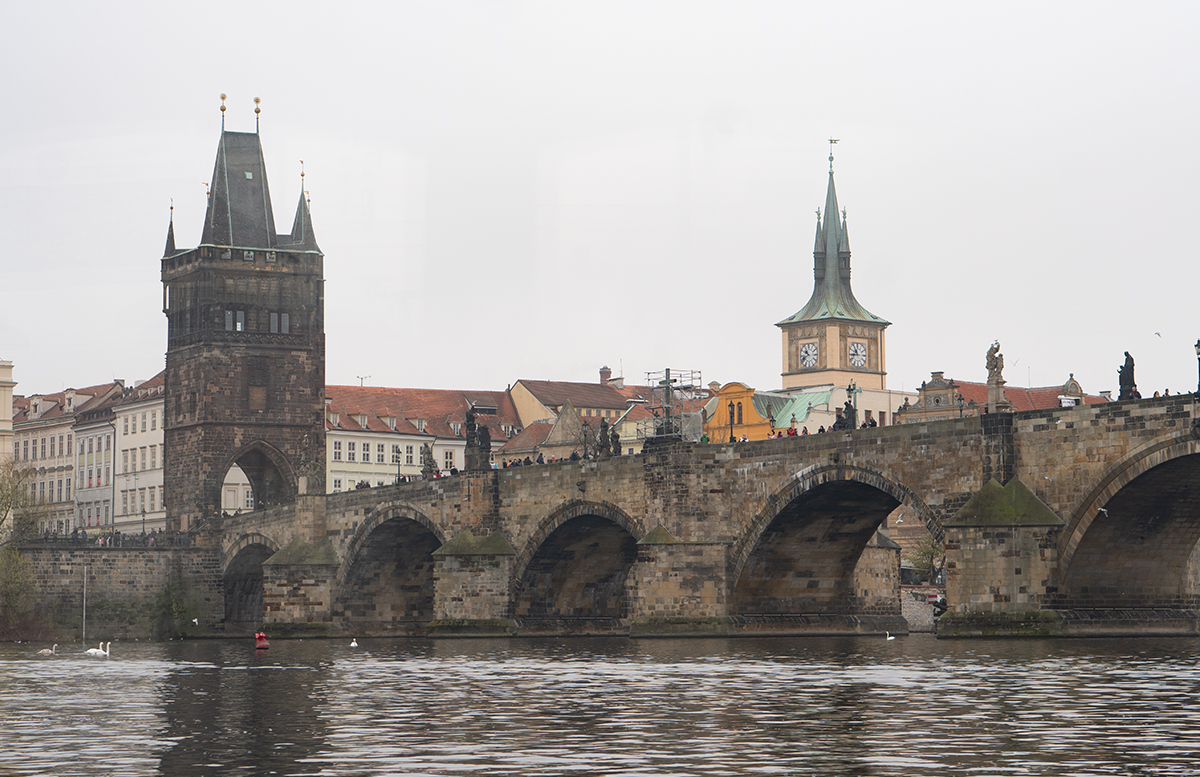 10 Ausflugstipps für Prag mit Kindern schifffahrt brücke