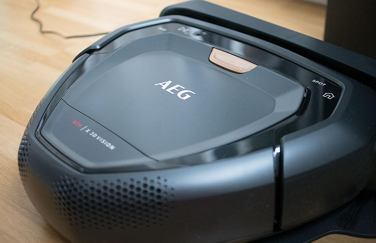 AEG-Saugroboter-RX9-1-SGM---mein-kleiner-Held-detail.jpg