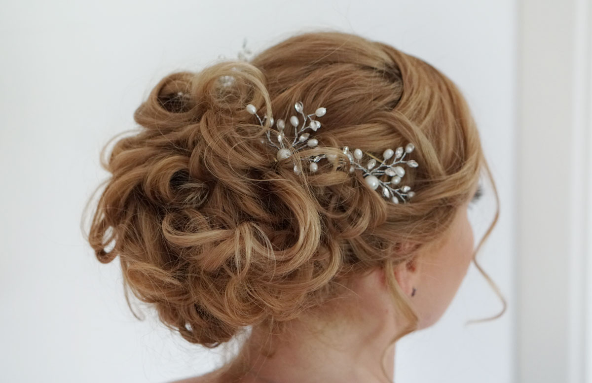 All-inkl.-Service-für-die-Hochzeit-Brautstyling-mit-Airbrush-Makeup-frisur-2