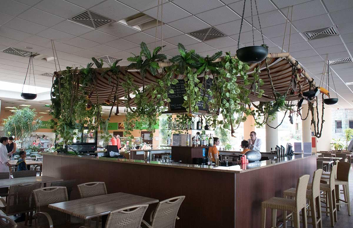 Aquaworld Resort Budapest und der Water Park barbereich