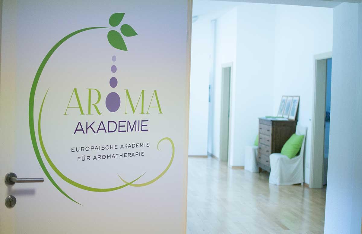aroma-salon-haare-faerben-mit-henna-aromaakademie