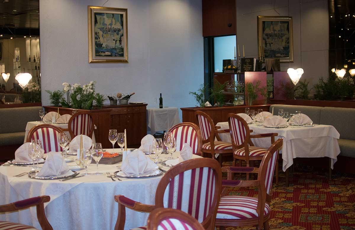 Grand Hotel Bernardin in Portoroz meer esszimmer