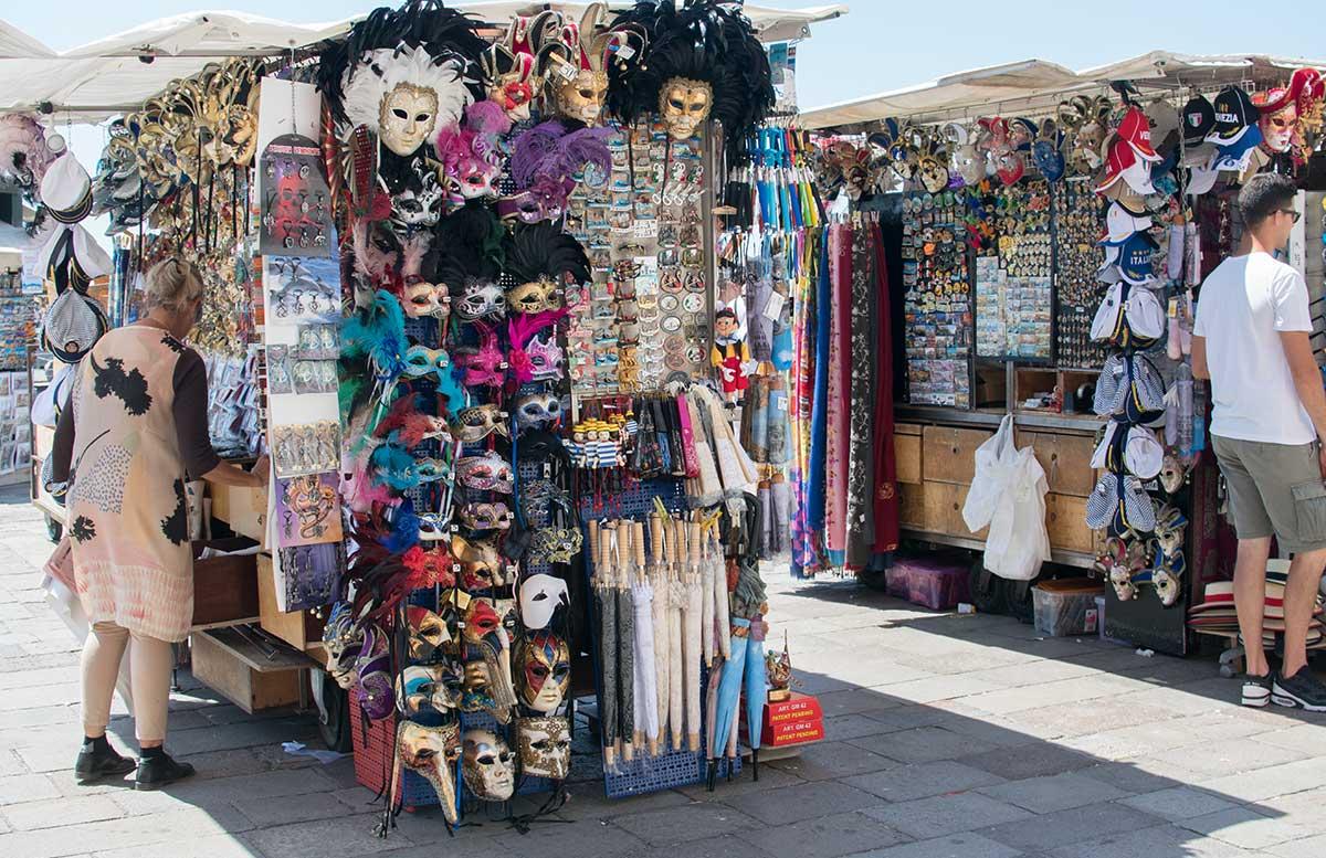 Ausflug nach Venedig und Cavallino venezianische masken