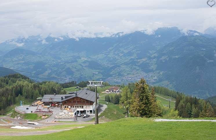 Ausflug-zum-Familien-Erlebnispark-am-Geisterberg-in-St.-Johann-aussicht-von-ganz-oben