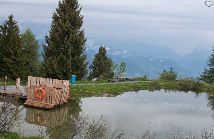 Ausflug-zum-Familien-Erlebnispark-am-Geisterberg-in-St.-Johann-bootsfahrt-am-see