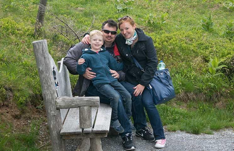 Ausflug-zum-Familien-Erlebnispark-am-Geisterberg-in-St.-Johann-familienbild