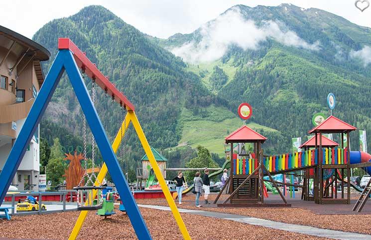 Ausflug-zum-Familien-Erlebnispark-am-Geisterberg-in-St.-Johann-spielplatz-talstation