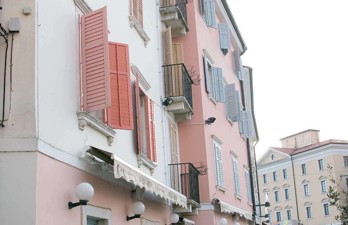 Ausflug zum Meer Portoro   und die Altstadt in Piran rosa fensterl  den