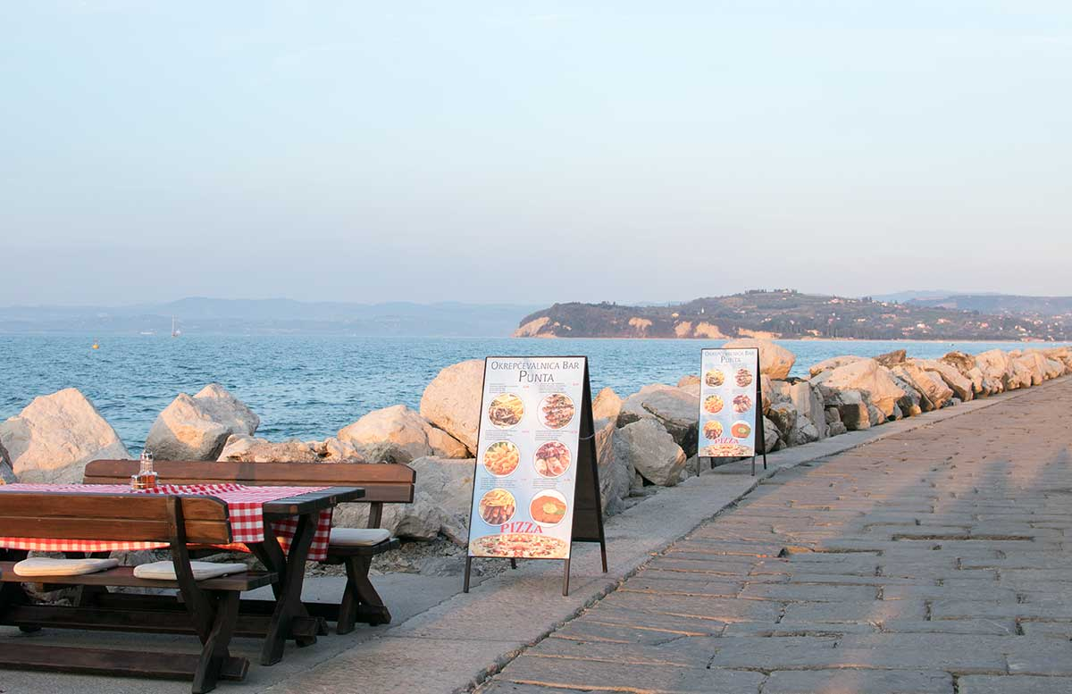 Ausflug zum Meer Portoro   und die Altstadt in Piran strandpromenade