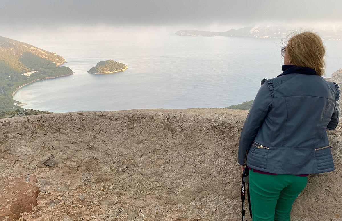 Ausflug-zur-schönsten-Bucht-in-Pollensa-aussicht-berg