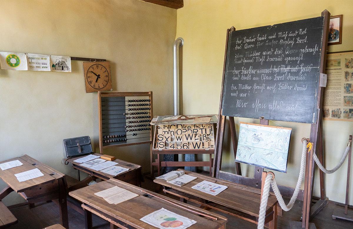 Ausflugsziele-für-Familien-in-Südmähren-schule