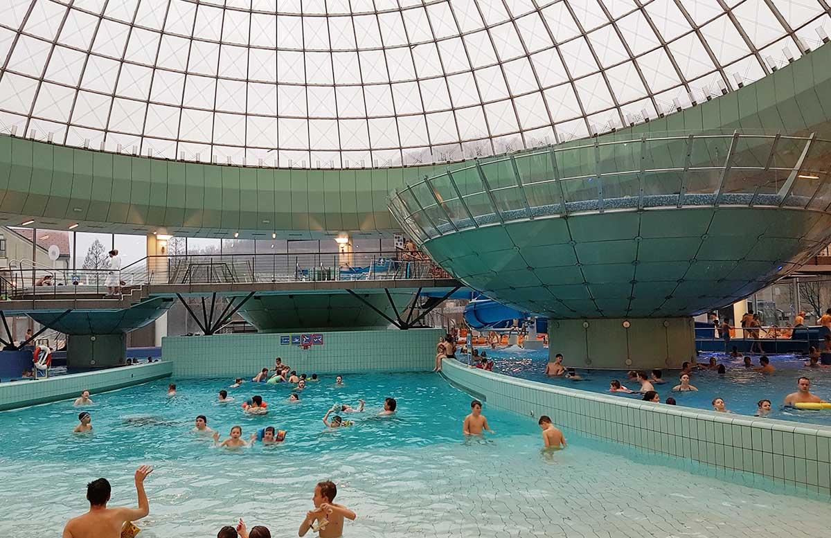 Ayurveda Detox im Hotel Thermana Lasko pool im inneren
