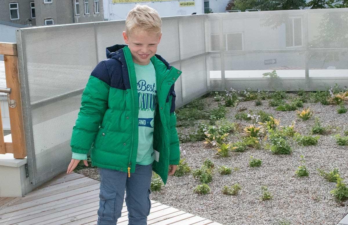 Back to School Herbst Outfit von TK Maxx Lenny mit grüner jacke