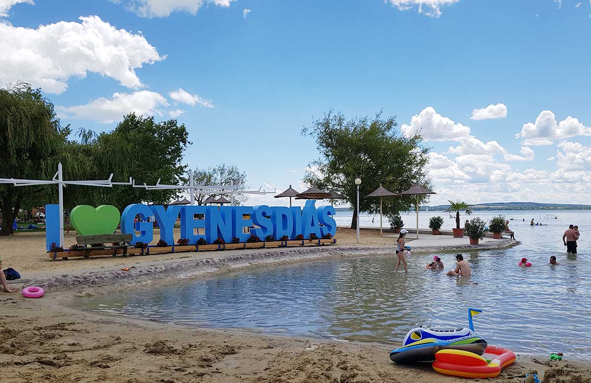 Balaton Ausflug ins Strandbad Gyenesdias am Plattensee strandabschnitt