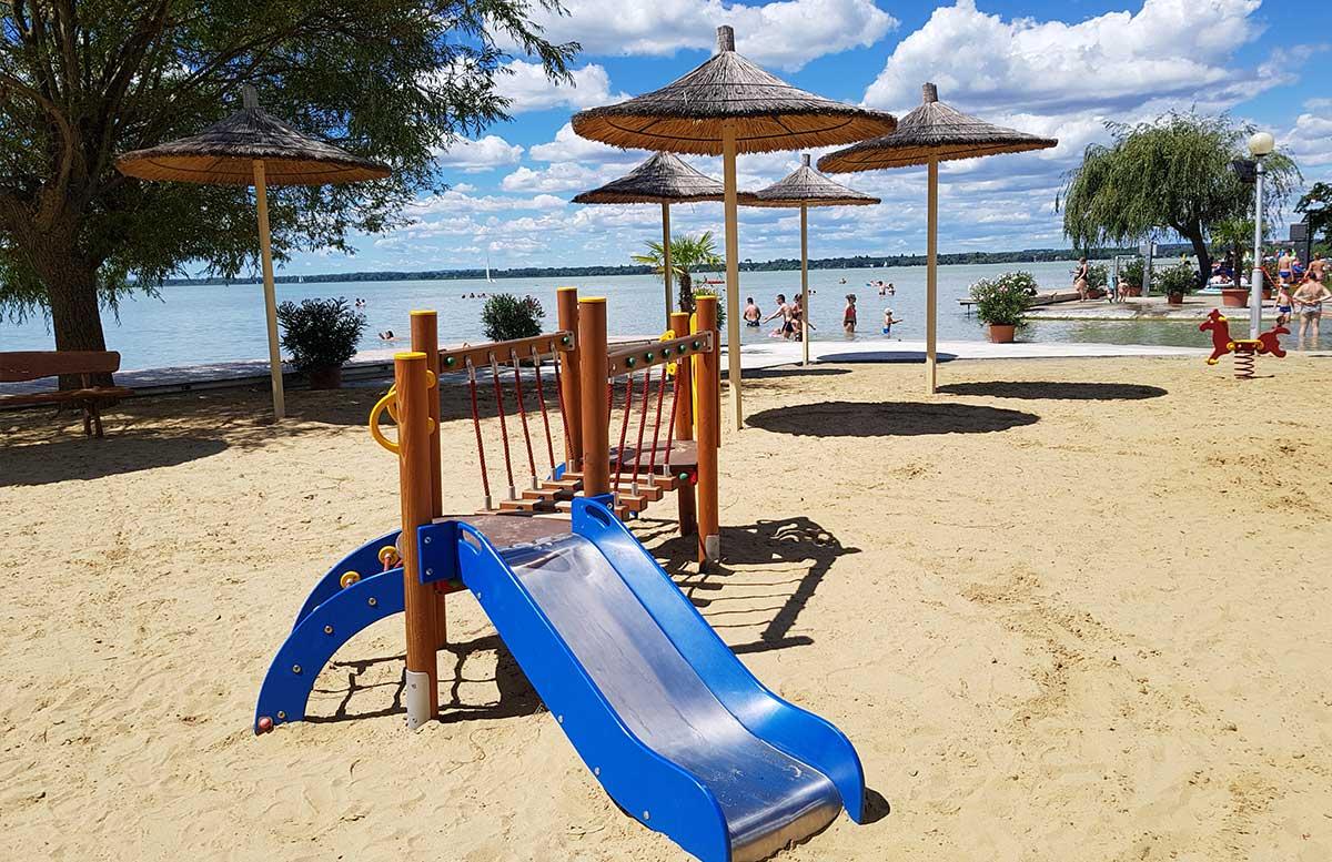 Balaton Ausflug ins Strandbad Gyenesdias am Plattensee spielplatz
