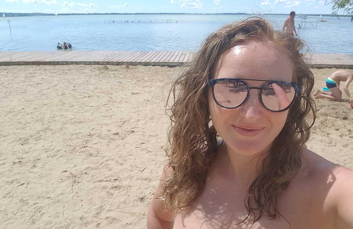 Balaton Ausflug ins Strandbad Gyenesdias am Plattensee strandabschnitt vicky selfie