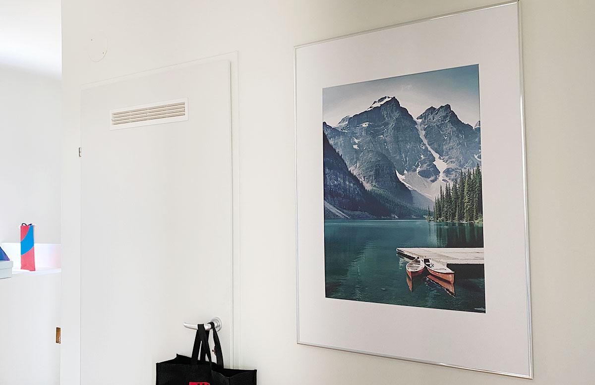 Bilderwand-Inspirationen-für-die-Wohnung-mit-Posterstore-boot-und-berg