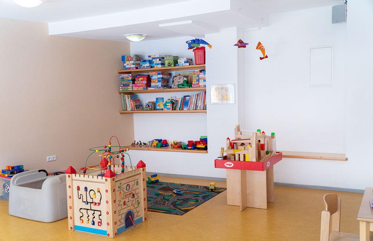Bio-Kinderhotel-Benjamin-in-Malta-in-Kärnten-spielzimmer-und-spiele