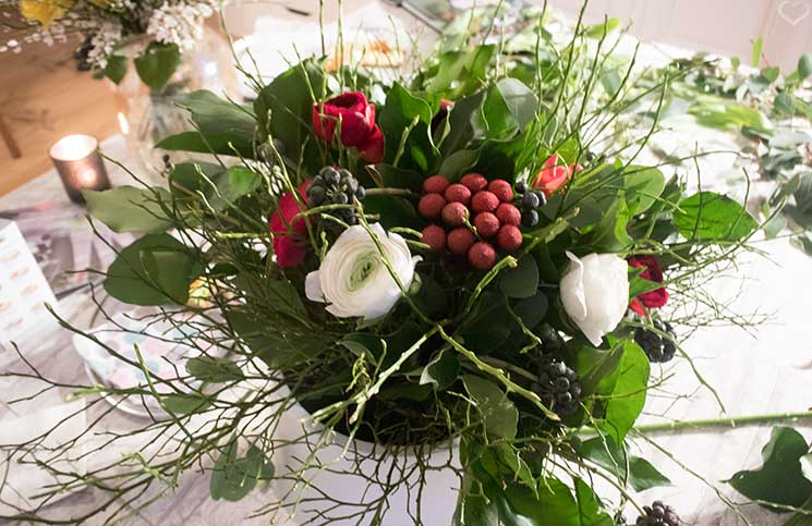 Bloomerei-Workshop-Blumen-binden-rot-weißer-strauss