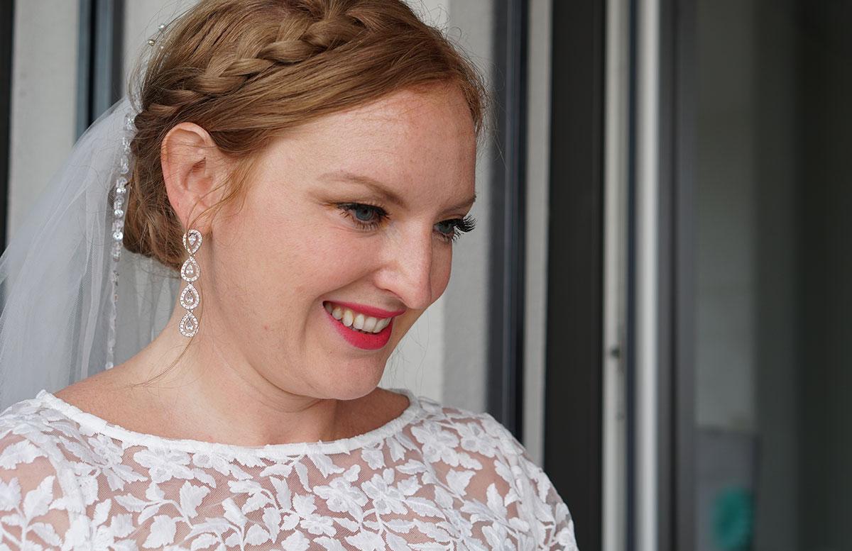 Brautstyling-Mein-Braut-Make-up-für-den-großen-Tag-LÄCHELN