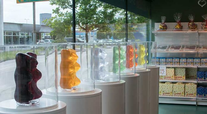 City-Trip-nach-linz-ins-ars-electronica-haribo-shop-bären-figuren