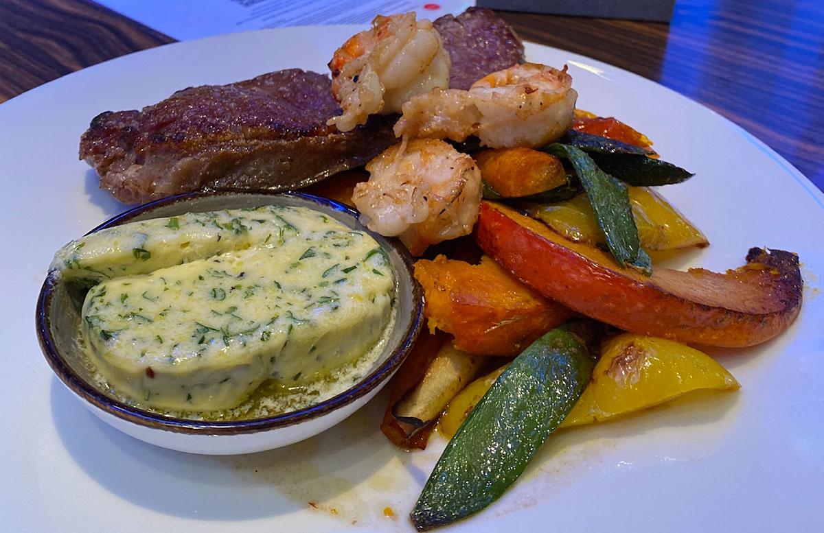 Courtyard-by-Marriott-Linz-steak-mit-kräuterbutter
