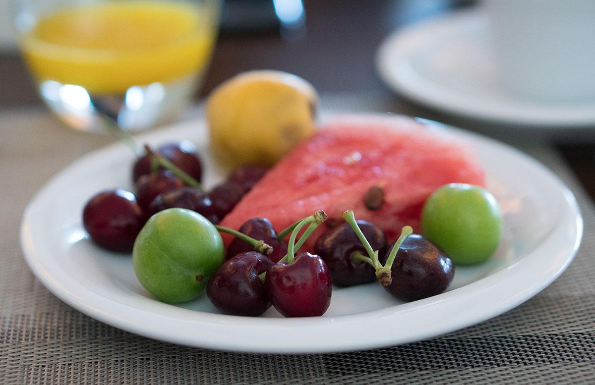 Das-5-Sterne-Mövenpick-Hotel-in-Izmir-obst-frühstück